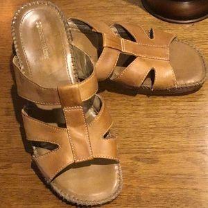 Naturalizer leather serene slide sandals 8M